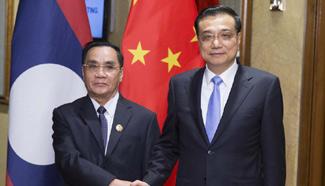 Premier Li meets Lao counterpart in Malaysia