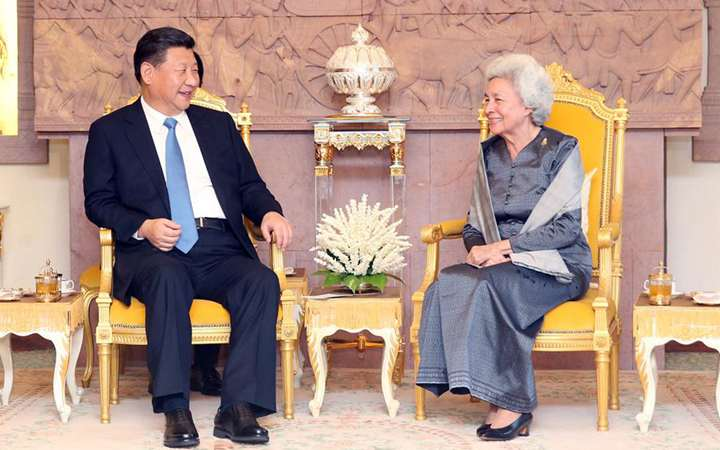Chinese president visits Cambodian Queen Mother on boosting traditional friendship