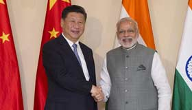 Chinese president meets Indian PM ahead of summit