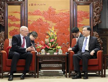 Chinese Vice Premier meets former U.S. Treasury Secretary in Beijing