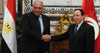 Tunisian FM meets visiting Egyptian counterpart in Tunis