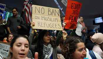 Protesters in U.S. denounce Trump's entry ban on 7 Muslim states