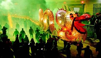 Dragon lantern dance performed to greet upcoming Lantern Festival