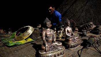 In pics: Nepalese artist makes metal sculptures