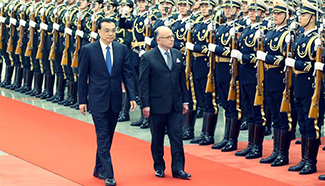 Chinese Premier Li meets French PM in Beijing