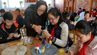 Folk arts classes arranged in N China's primary school