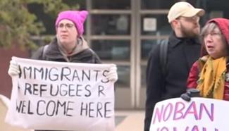 Somalis in U.S. celebrate court ruling suspending new travel ban
