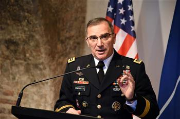 Top U.S. commander visits Lithuania