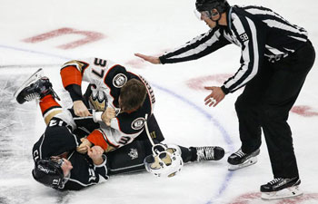 Anaheim Ducks beat Los Angeles Kings 4-2 in NHL hockey game