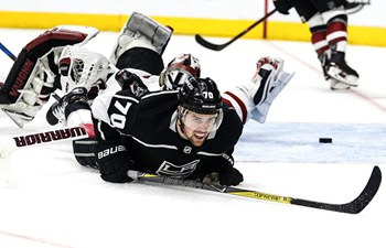 Los Angeles Kings thrash Arizona Coyotes 6-0 in NHL hockey game