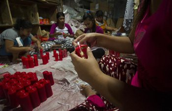 Candle workshop in Indonesia prepares for Chinese Lunar New Year