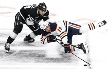 NHL hockey game: Los Angeles Kings beat Edmonton Oilers 5-2