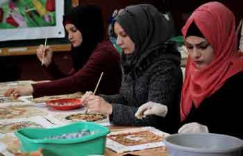 Palestinian deaf girls learn art of mosaic