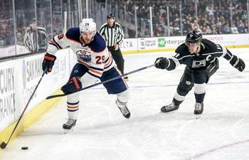 Edmonton Oilers beats Los Angeles Kings 4-3 at NHL hockey game