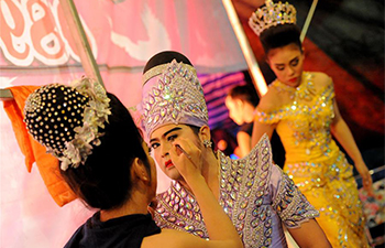 Actors prepare for Thai opera in Bangkok