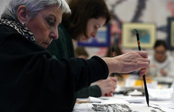 Feature: Athens museum builds bridges through Chinese painting workshop