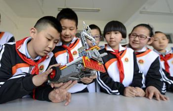 Robots introduced into extracurricular educational programs in Hebei
