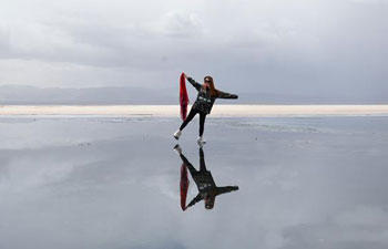 Scenery of Caka Salt Lake in northwest China's Qinghai