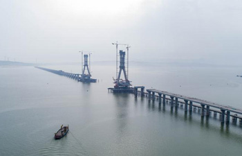 Poyang Lake No. 2 Bridge under construction in E China's Jiangxi