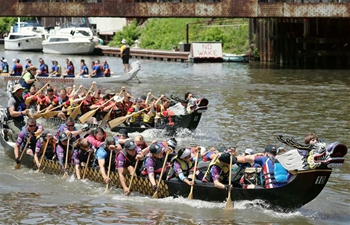 Dragon Boat Race held in Chicago to spread Chinese culture
