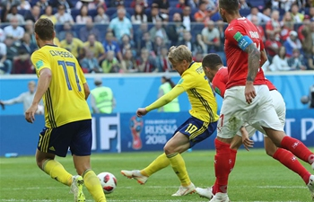 Forsberg strike sends Sweden into last 8