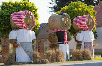 Straw bale sculptures set up in Petrijevci to support Croatia ahead of World Cup final