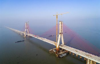 Closure of main project of Poyang Lake No. 2 Bridge finished in China's Jiangxi