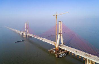 Closure of main project of Poyang Lake No. 2 Bridge finished in China's Jiangxi