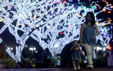 People enjoy New Year holidays in Quezon City, Philippines