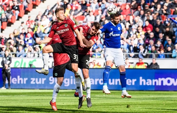 Schalke 04 beats Hanover 96 1-0 during German Bundesliga match