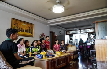 """Voluntary mother group"" offers care for Tibetan students studying in Nanchang"