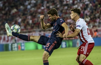Bayern Munich beat Olympiakos 3-2 in Piraeus