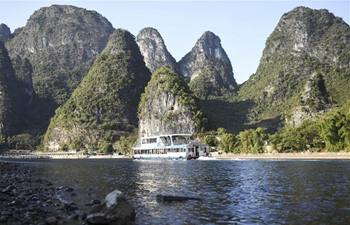 In pics: view along Lijiang River in Guilin, S China