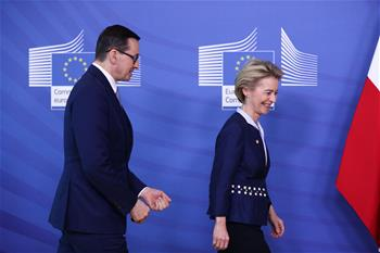European Commission president meets with Polish PM in Brussels