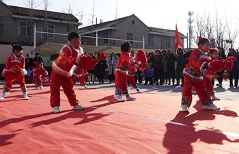 Various cultural activities held in Qingdao for upcoming Spring Festival