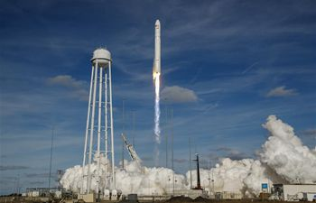 U.S. rocket launched to bring NASA cargo to International Space Station