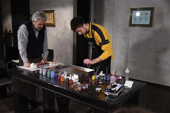 Turkish marbling art studio launches public lesson in Istanbul