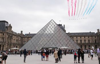 Louvre Museum shut down due to coronavirus epidemic
