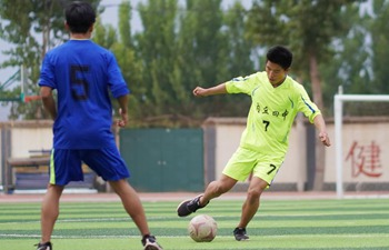 High school students in Hebei participate in football training