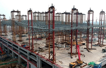 In pics: construction site of Zhengzhou South Railway Station in central China
