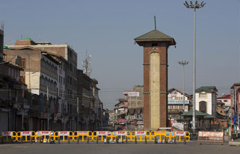 Authorities reimpose lockdown amid COVID-19 concerns in Srinagar