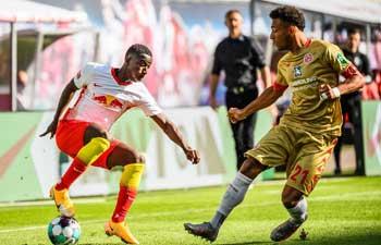 Leipzig make winning start in Bundesliga