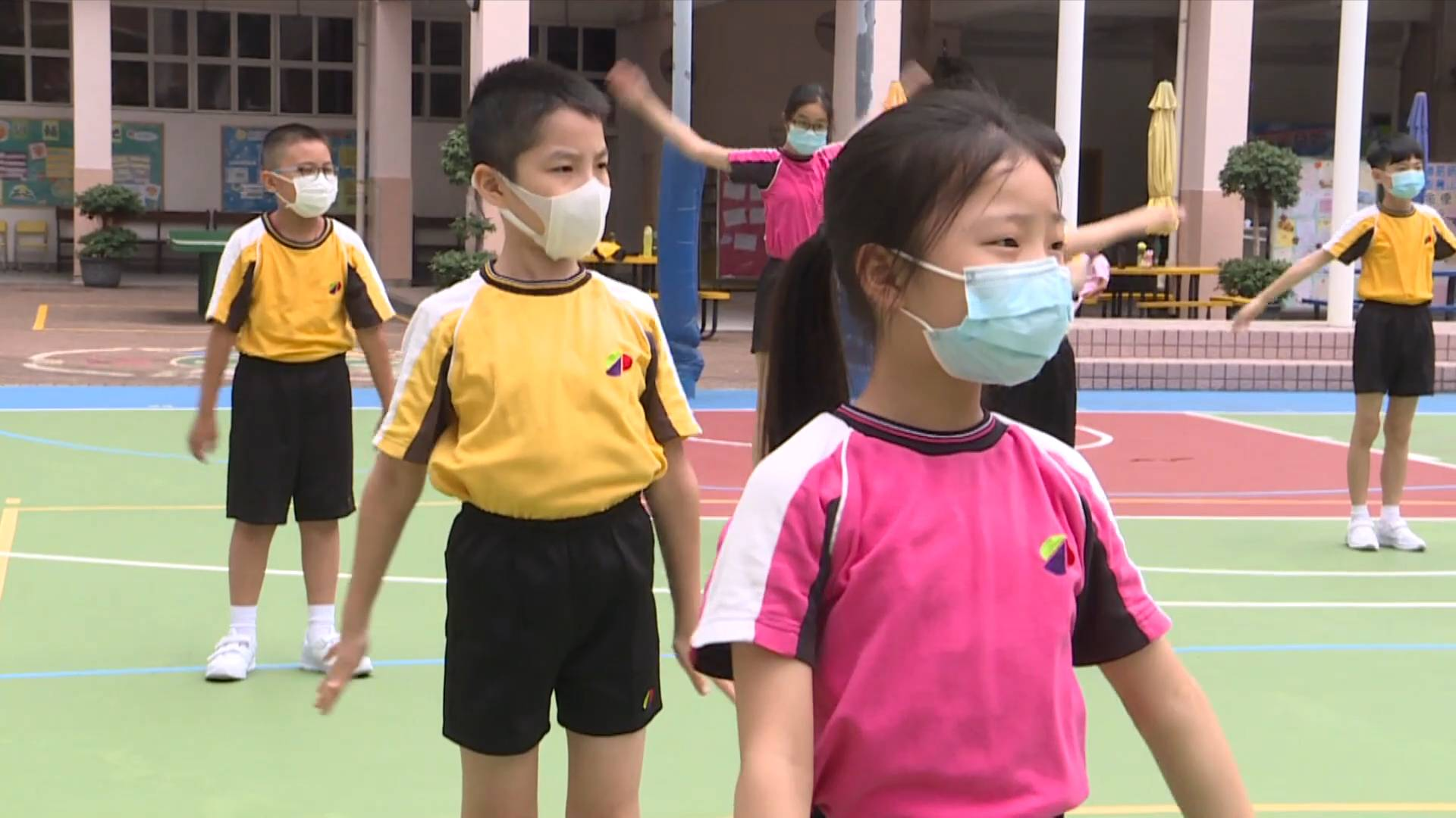 Visiting Hong Kong's 1st government-subsidized primary school teaching in Mandarin