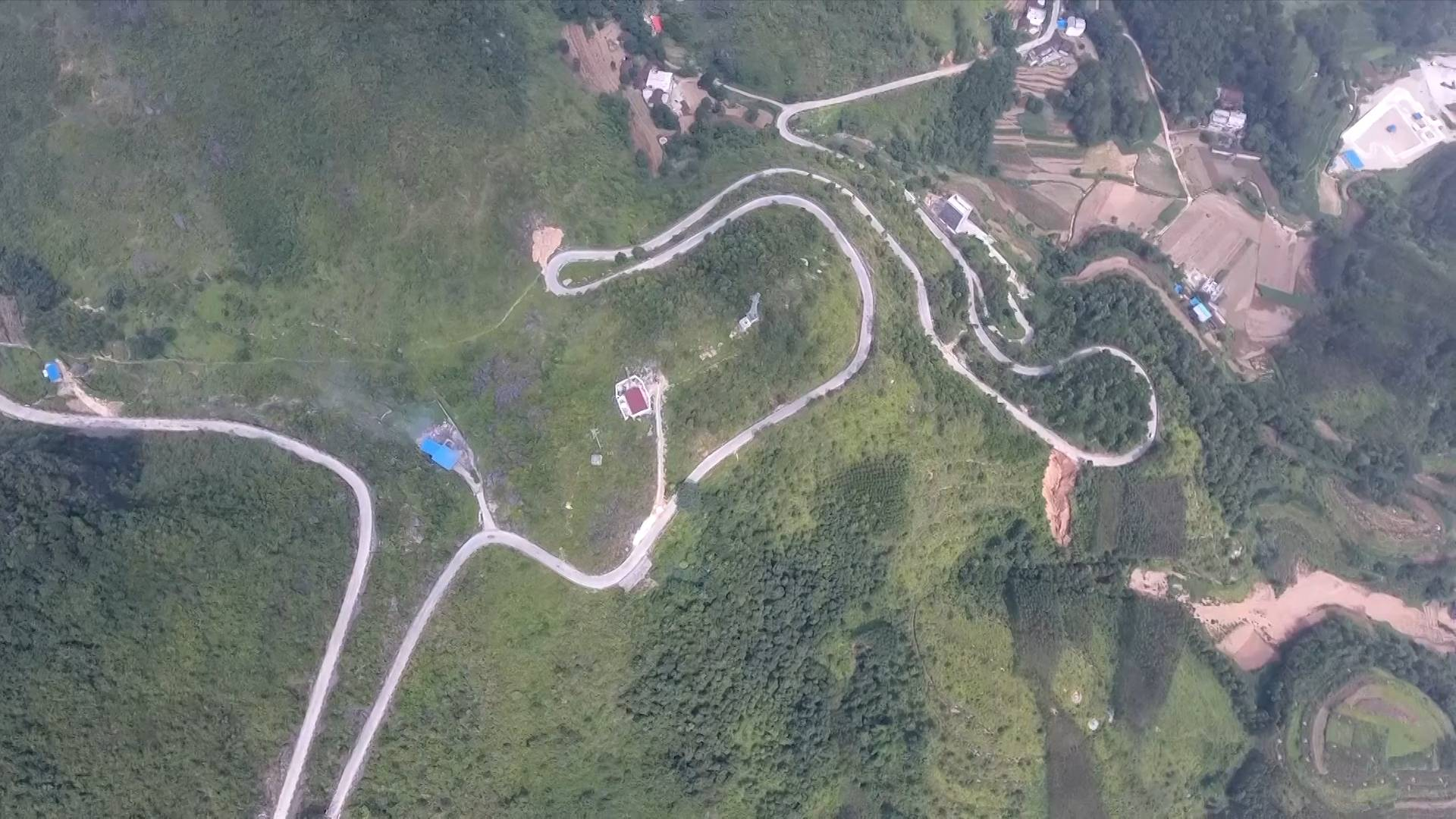 China's Guangxi makes significant progress in poverty alleviation through building roads
