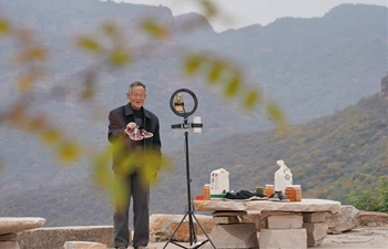 Villager uses live streaming to promote tourism resources, specialities in N China