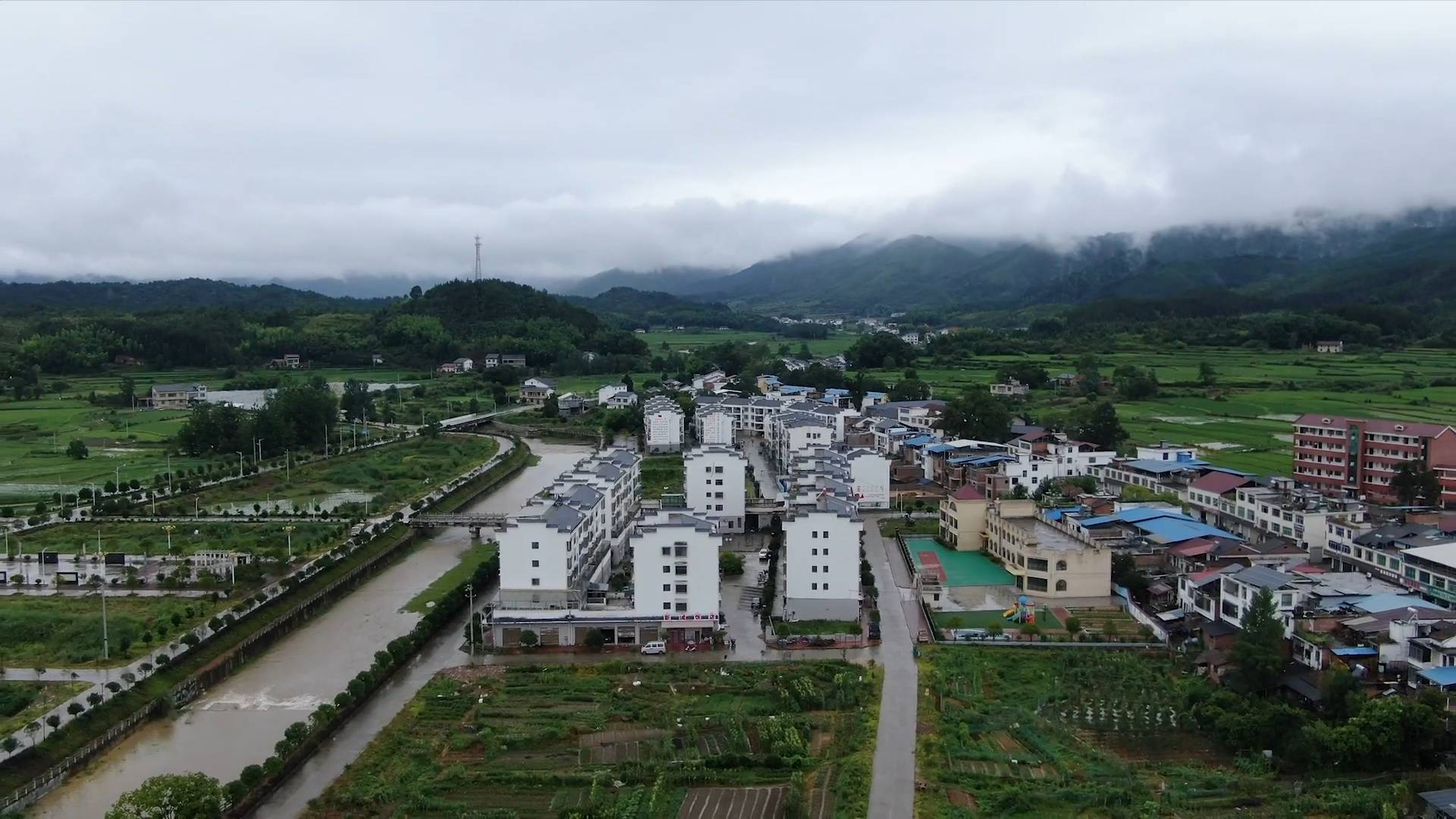 Poverty-alleviation relocation offers new life in east China