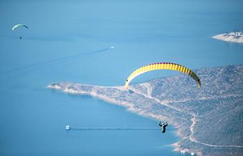 Paragliders take part in contest in Liuzhi, Guizhou