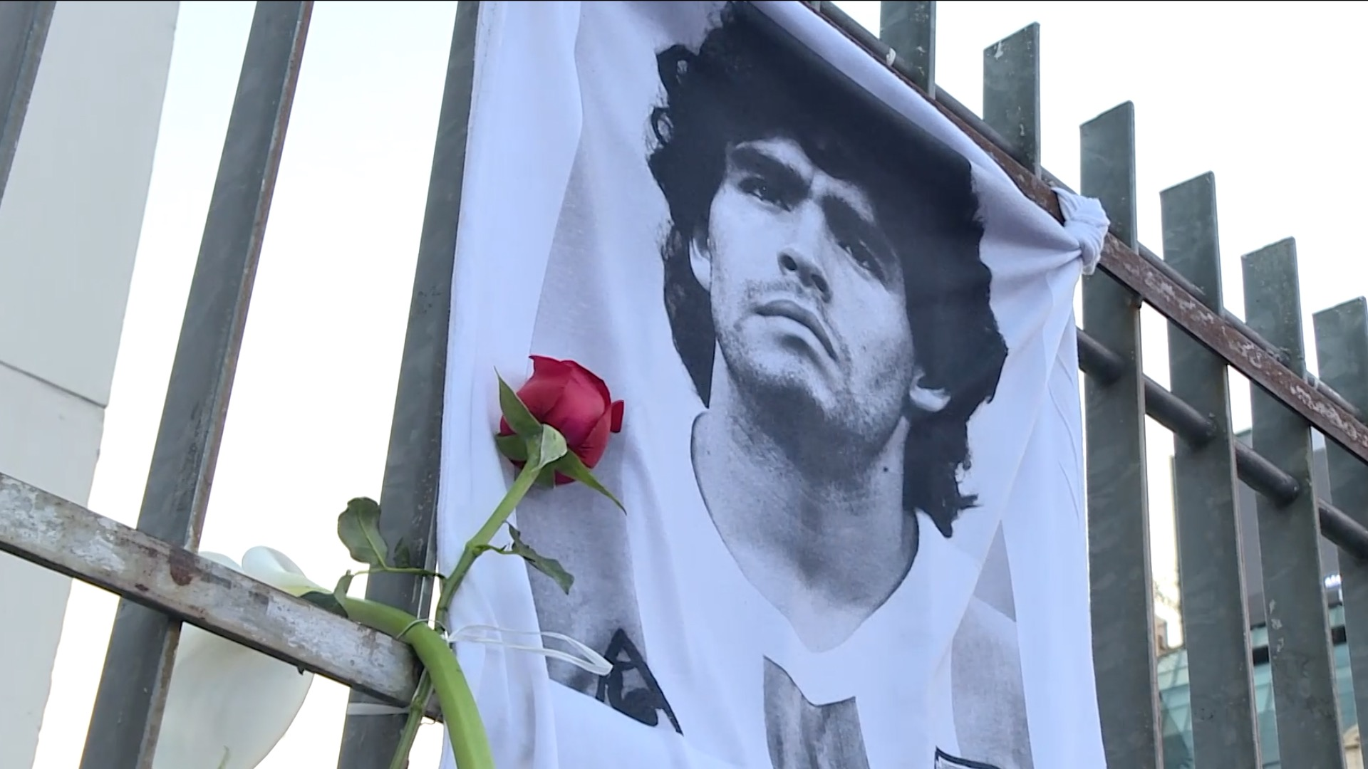 People around world mourn death of football legend Maradona