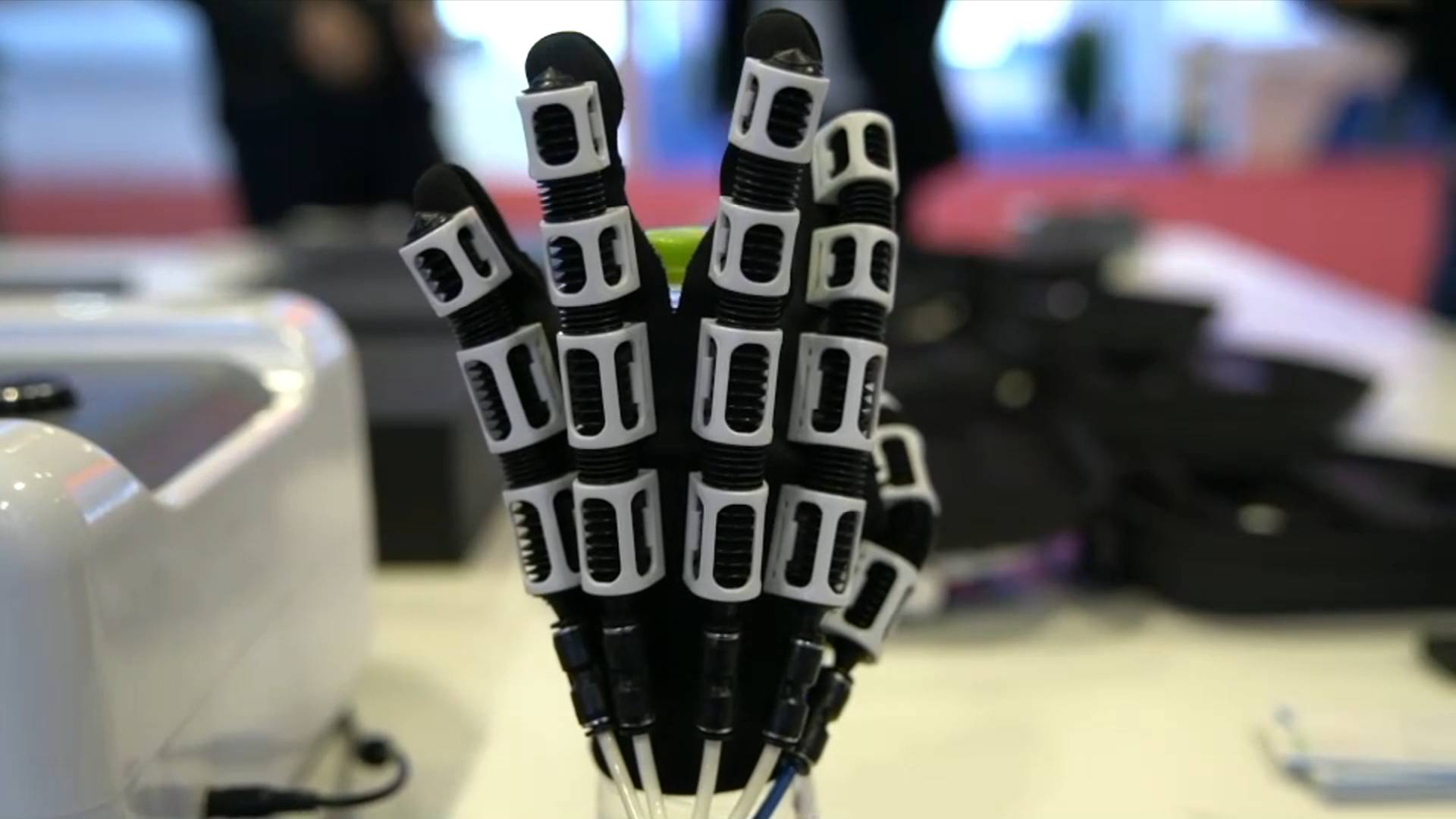 Cutting-edge technology products at China-ASEAN Expo