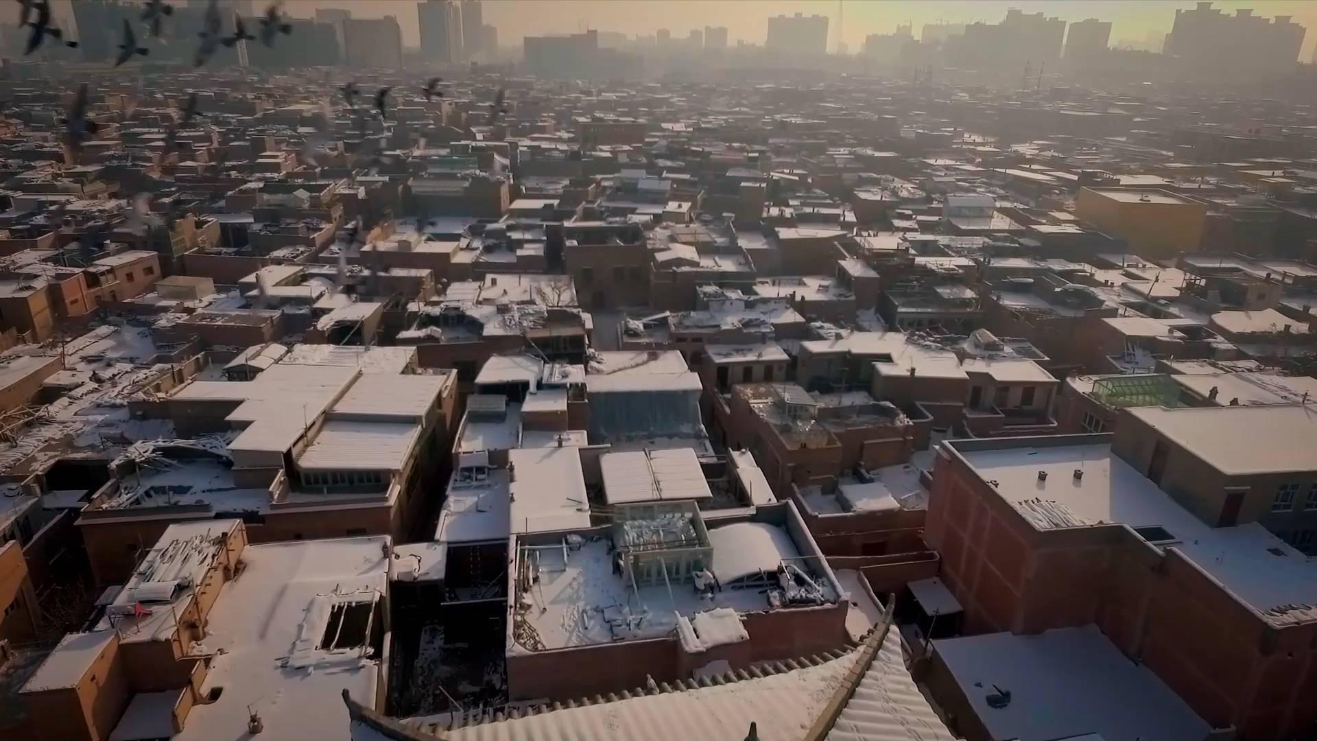 First winter snow in Xinjiang's Kashgar